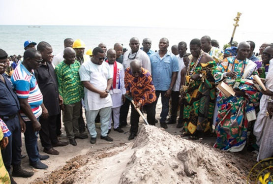 The Director of the Department of Urban Roads, Alhaji Abass Awolu, has assured the President Nana Addo Dankwa Akufo-Addo that the 7.5-kilometre road will be completed and handed over in June 2020. Nana Addo cuts sod With the construction of the road being undertaken by M/S GS International, at a cost of GH¢87,883,579.00, which is […]