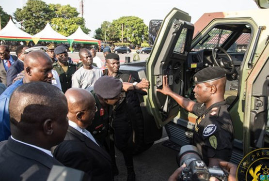 he President Nana Addo Dankwa Akufo-Addo on Thursday, 5th December, 2019, presented a number of vehicles to the Ghana Armed Forces, in fulfillment of a pledge he made to them this year. Akufo-Addo with the army Presenting the vehicles at a ceremony at Burma Camp, President Akufo-Addo recounted a pledge he made to the Armed […]